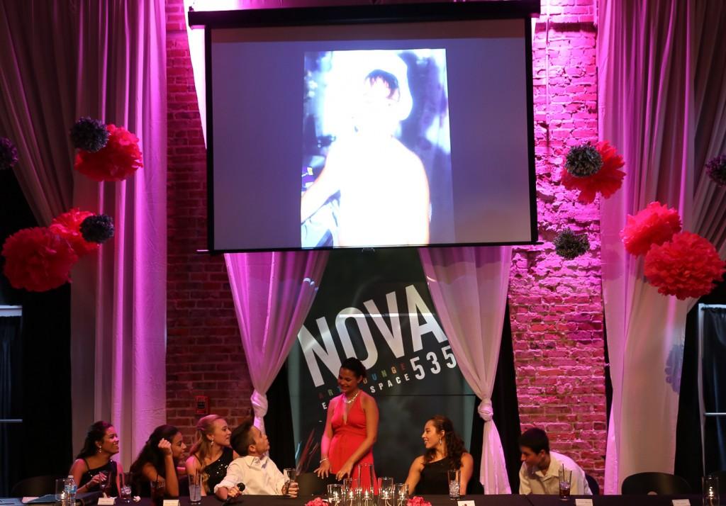 2014-08-06-Carolina-Qunicenara-at-NOVA-535-St-Pete-32