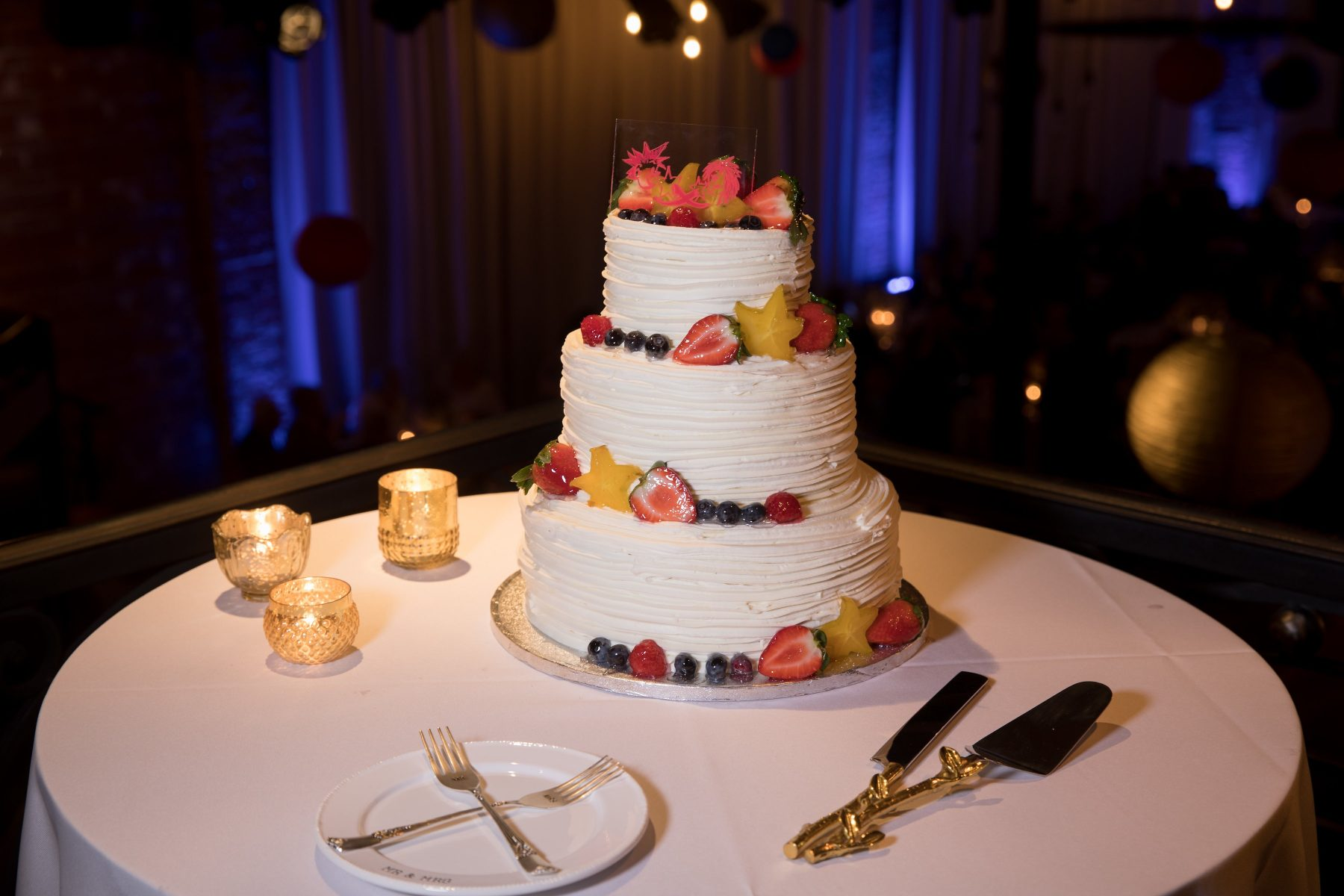 Buttercream wedding cake with fresh fruit