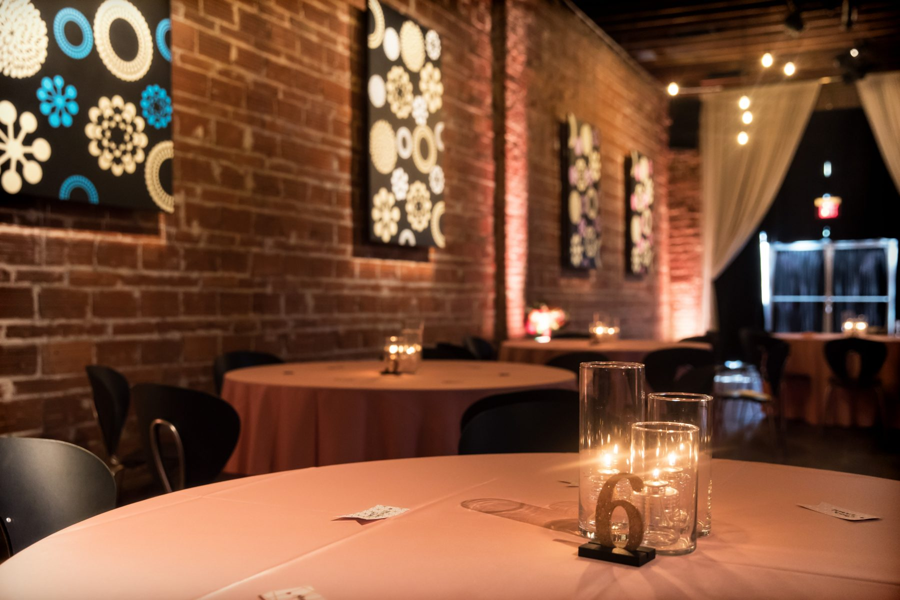 Minimalist wedding decor and centerpiece at candlelight reception at Historic Venue NOVA 535 in Downtown St. Pete